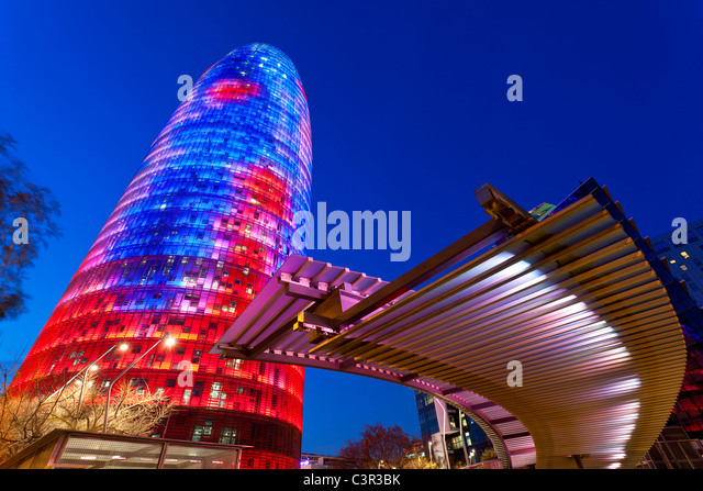 View of the Torre Agbar (Agbar-tower) and the skyline of Barcelon, Spain. The 32-story office highrise measures - Stock-Bilder