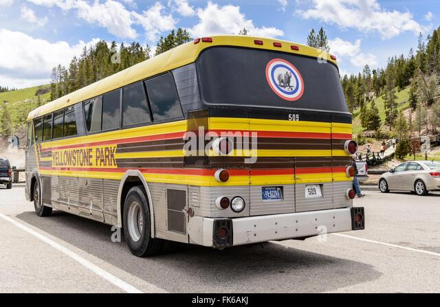 Yellowstone Park Tour Bus Stock Photos Amp Yellowstone Park Tour Bus Stock Images Alamy