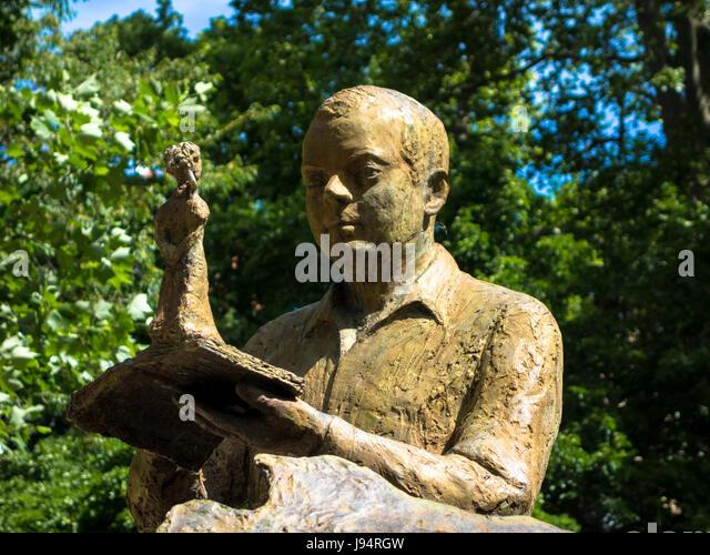 Saint madeleine stock photos saint madeleine stock for Jardin royal toulouse
