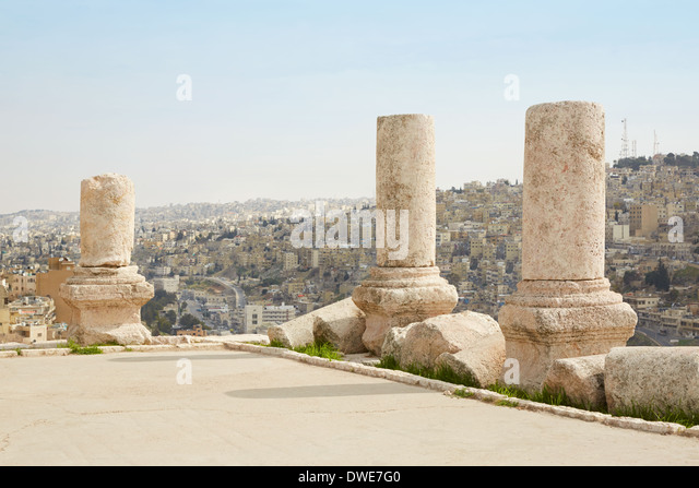 Columns on the Amman citadel, Jordan, city view - Stock Image