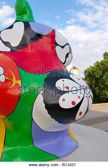 niki de saint phalle stock photos niki de saint phalle. Black Bedroom Furniture Sets. Home Design Ideas