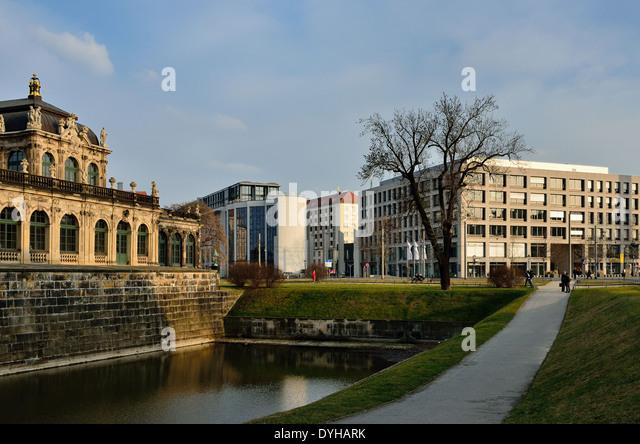 Dresden, Barock und neue Architektur am Postplatz - Stock-Bilder