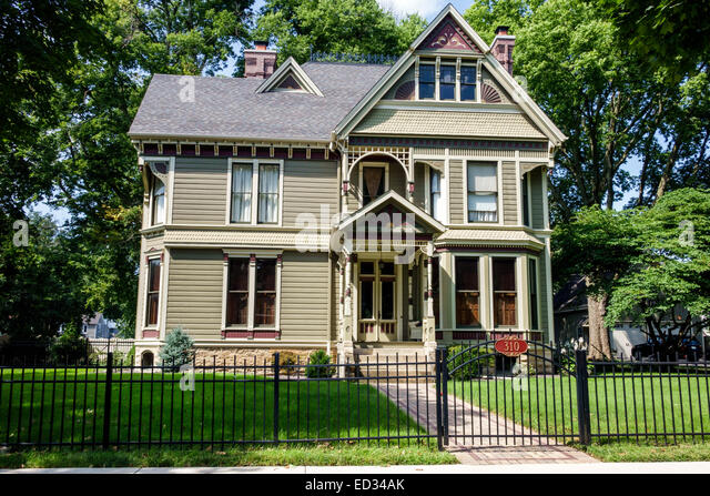 Illinois Fairbury renovated restored historic house home Victorian style architecture - Stock Image