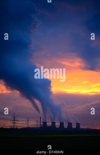 Ferrybridge Power Station Yorkshire England at sunset - Stock Image