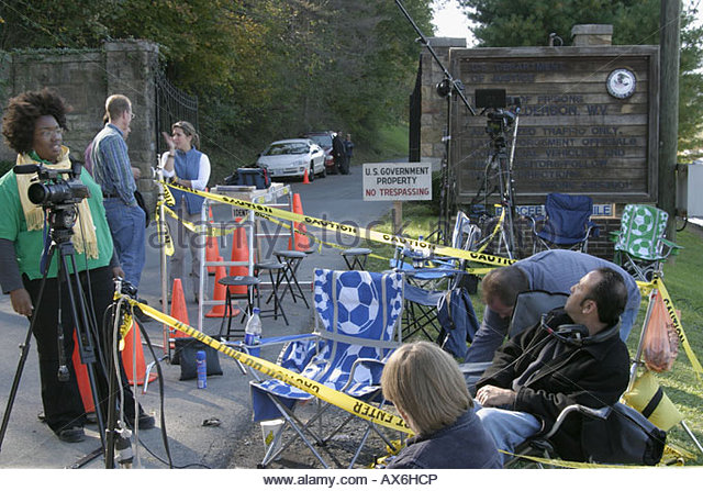 West Virginia Alderson Federal Prison for Women media awaits Martha Stewart arrival - Stock Image