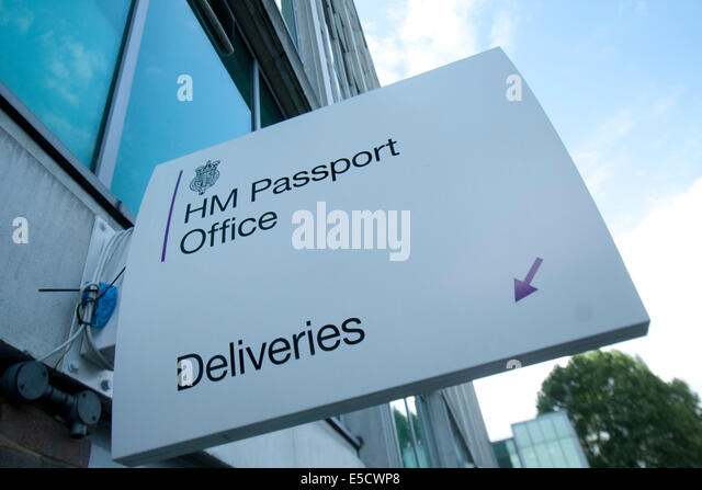 London, UK. 28th July 2014. Staff staged a one day walk out at the passport office over pay cuts, shortages and - Stock Image