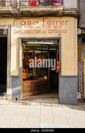 Guitar shop stock photos guitar shop stock images alamy - Casa luthier barcelona ...