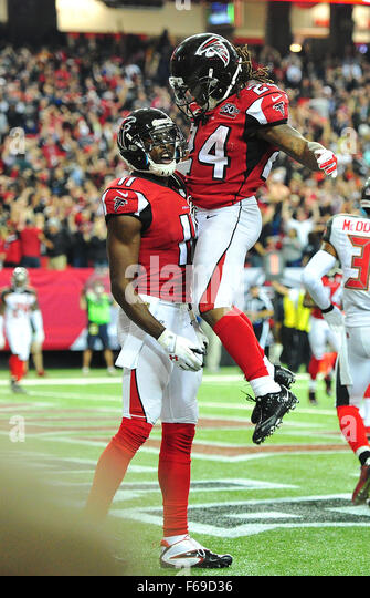 November 1, 2015: #Devonta Freeman and #11 Julio Jones of the Atlanta Falcons in action during NFL game between - Stock Image