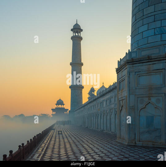Taj Mahal at sunrise, Agra, India - Stock Image