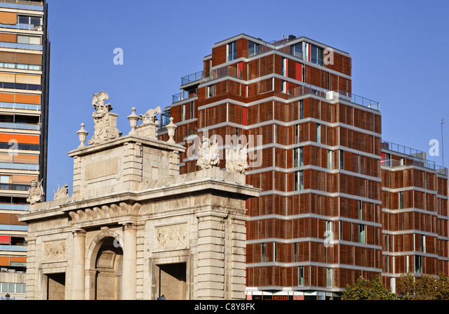 Plaza Porta del Mar, modern architecture, Real Estate, Valencia, Spain - Stock Image