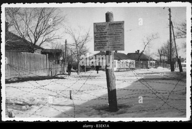 9 1941 10 24 A1 2 E Ghetto in Charkov Photo 1941 42 World War Two Russian Campaign Occupation of Charkov capital - Stock-Bilder