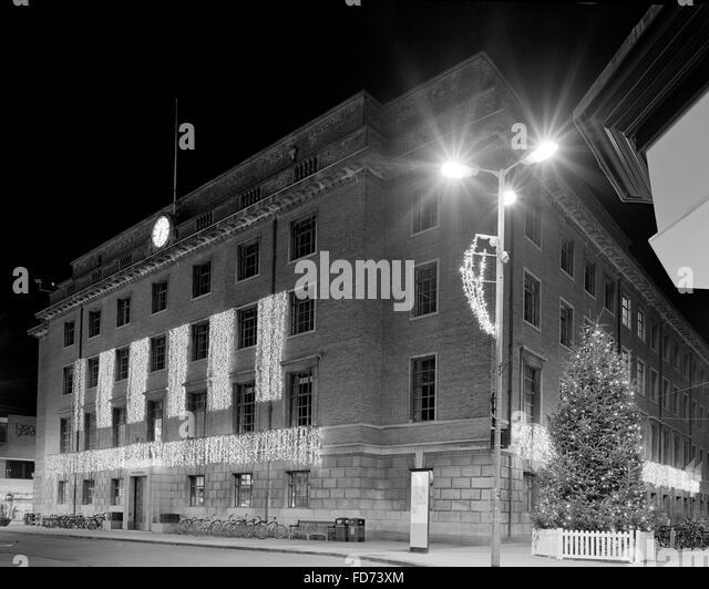 Cambridge Guildhall with Christmas lights - Stock Image