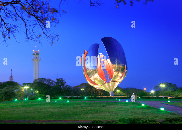 Floralis Genérica, located in United Nations Park in Recoleta. Buenos Aires. By Architect Eduardo Catalano. - Stock Image