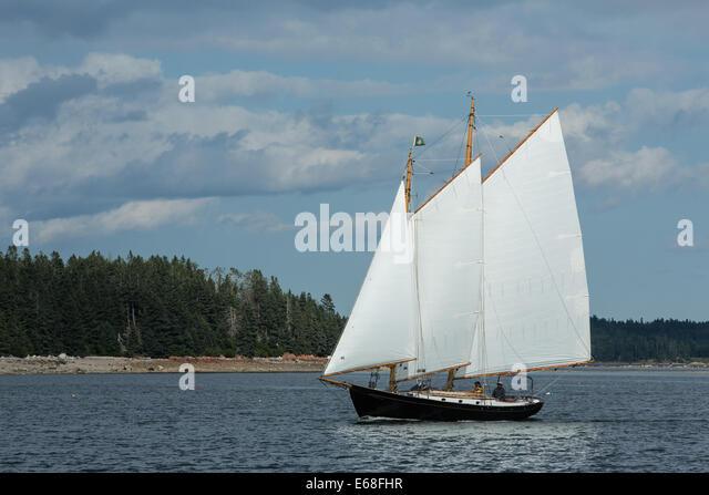 Gaff rig stock photos gaff rig stock images alamy for 68 garden design gaff rigged schooner
