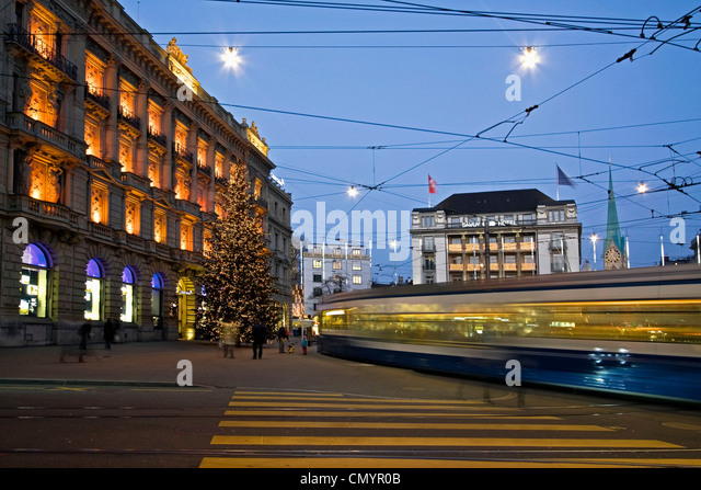 Christmas tree at  Credit Suisse bank at  Paradeplatz in Zurich, Switzerland - Stock Image