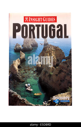 Insight Guides travel book to Portugal on a white back ground. - Stock-Bilder