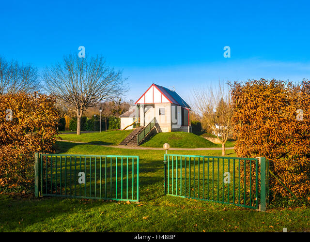 Tiny house / holiday chalet, recreation area - France. - Stock Image