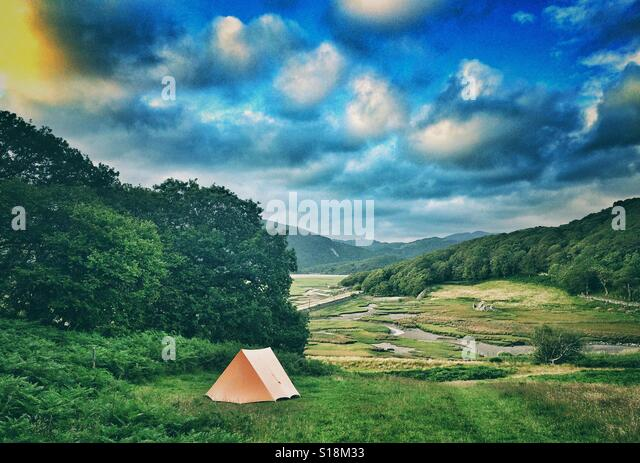 A tent in a field near Barmouth, Wales - Stock Image