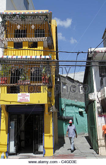 Dominican Republic Santo Domingo Ciudad Colonia Calle Gorjon neighborhood urban lifestyle mixed use building dwelling - Stock Image