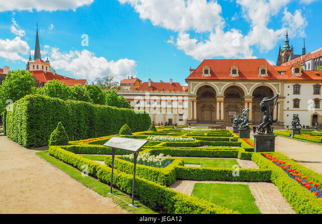 Mala strana gardens stock photos mala strana gardens for Jardines wallenstein