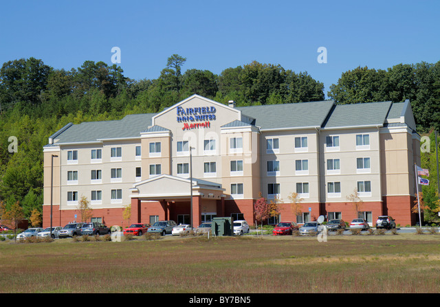 Georgia Cartersville Marriott Fairfield Inn & and Suites lodging entrance motel hotel exterior building parking - Stock Image