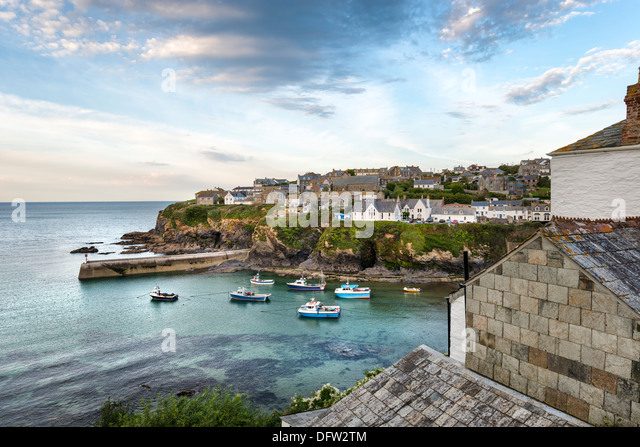 Port Isaac an historic fishing port on the north coast of Cornwall - Stock Image