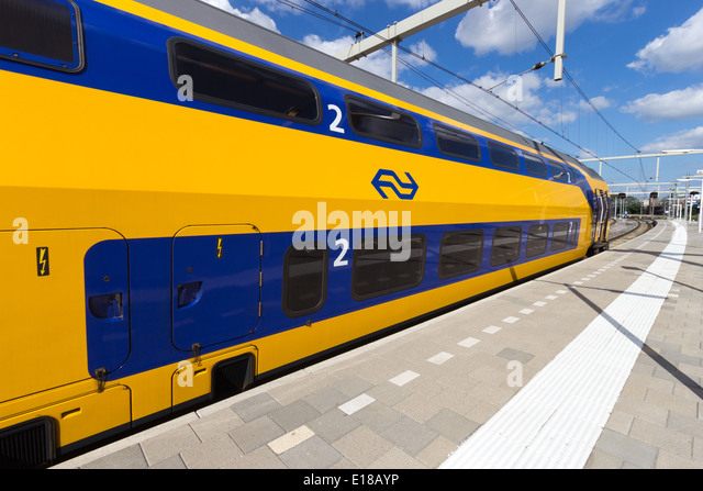 Intercity train at Arnhem Central Station, The Netherlands - Stock-Bilder