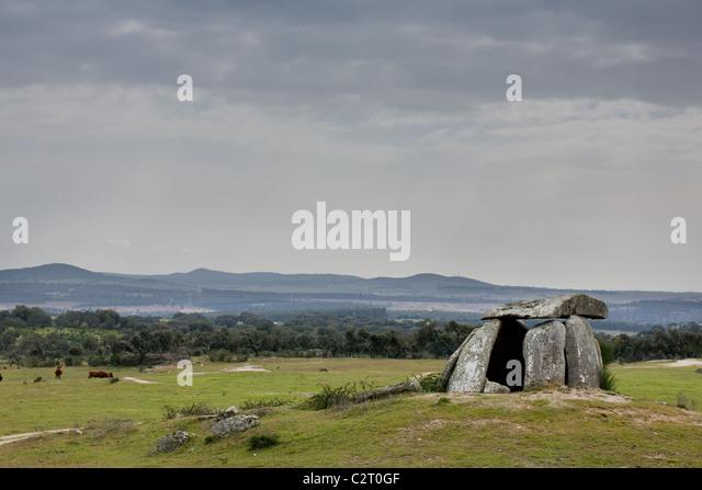 Anta do Tapadåo, a Neolithic dolmen (burial chamber) near Aldeia da Mata in Alentejo region of Portugal - Stock Image