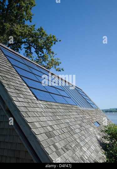 Close up of solar panels in roof - Stock Image