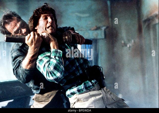 TOMMY LEE JONES & JEFF BRIDGES BLOWN AWAY (1994) - Stock Image