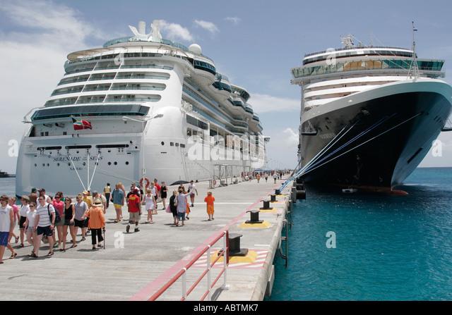 Sint Maarten Great Bay Philipsburg Dutch cruise ship port ms Noordam Serenade of the Seas passengers - Stock Image