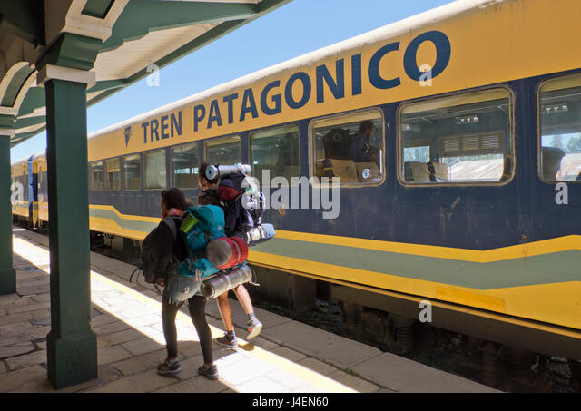 Tourists arriving in the Patagonian train in Bariloche, Argentina, South America - Stock Image