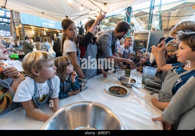 Markthalle 9, Food workshop with kids, Kreuzberg, SO 36, Berlin - Stock Image