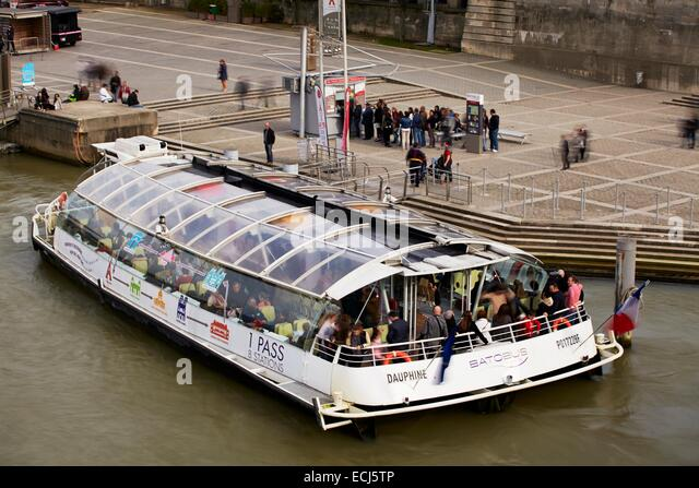 Bourdonnais stock photos bourdonnais stock images alamy - Bateaux parisiens port de la bourdonnais horaires ...