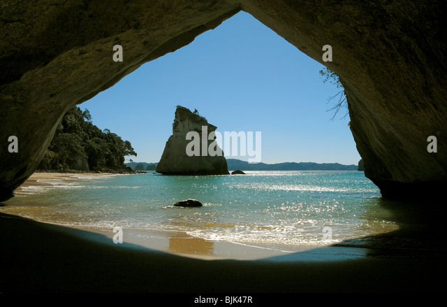 CATHEDRAL COVE SEA CAVE IN THE COROMANDEL AREA OF NEW ZEALAND NORTH ISLAND - Stock Image