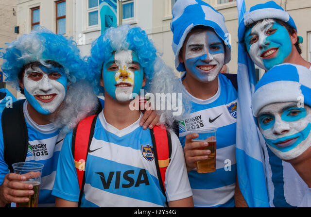 Gloucester, UK. 25th Sep, 2015. Argentina rugby fans enjoying the pre-match atmosphere outside Kingsholm before - Stock Image