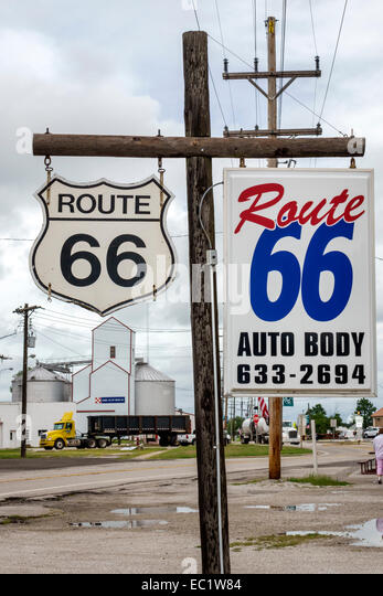 Illinois Hamel Historic Route 66 sign rural - Stock Image