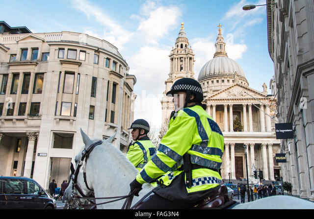 Mounted Police in front of St. Paul's Cathedral in London, England, UK - Stock Image