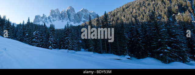 Winter landscape, Le Odle Group, Val di Funes, Italian Dolomites mountains, Trentino-Alto Adige, South Tirol (Tyrol), - Stock Image