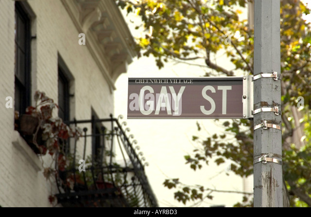 GAY ST STREET SIGN IN GAY AREA OF GREENWICH VILLAGE MANHATTAN NEW YORK CITY UNITED STATES OF AMERICA USA - Stock-Bilder