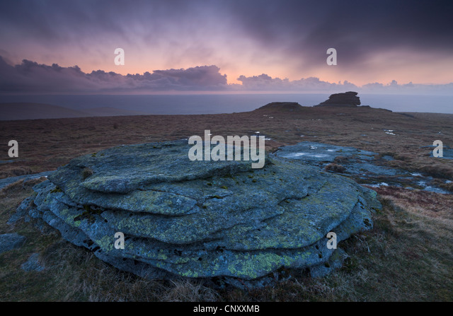 High Willhays at twilight, the highest point in Dartmoor and Southern Britain, Dartmoor, Devon, England. Spring - Stock-Bilder
