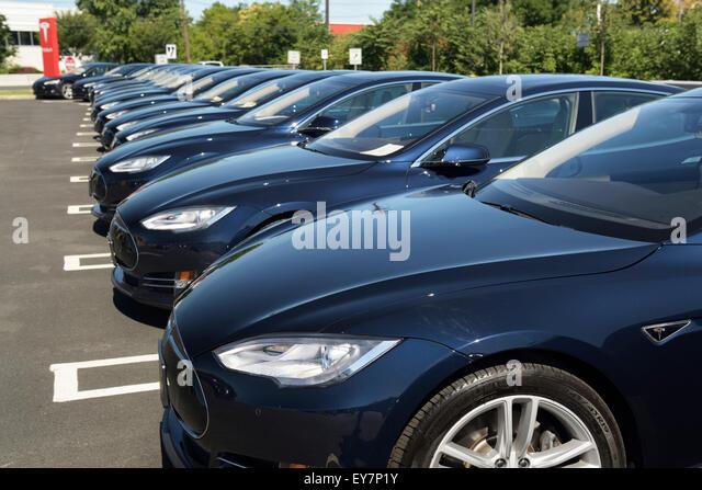 Dealership stock photos dealership stock images alamy for Honda dealership paramus nj