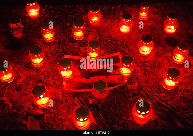 Sochi, Russia. 25th December, 2016. Candles in memory of the victims of a Russian Defense Ministry plane crash. - Stock Image