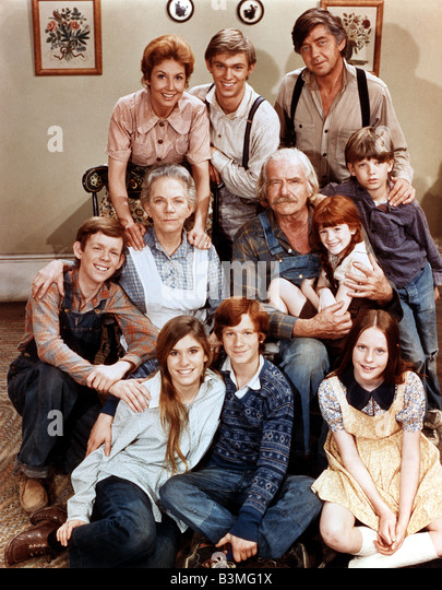 THE WALTONS  US Lorimar TV series 1972 to 1981 with top row from left: Michael Learned (sic) , Richard Thomas  and - Stock-Bilder