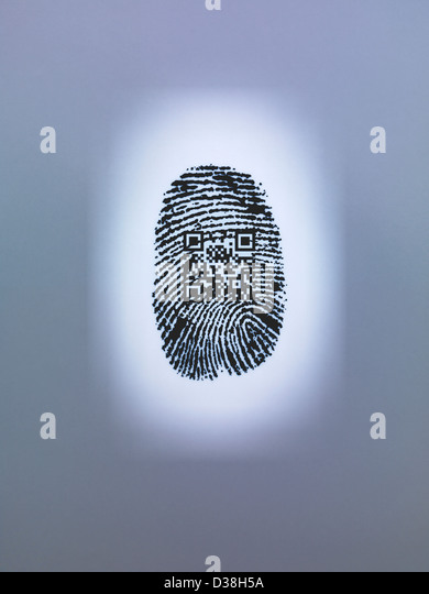 QR code in finger print - Stock-Bilder