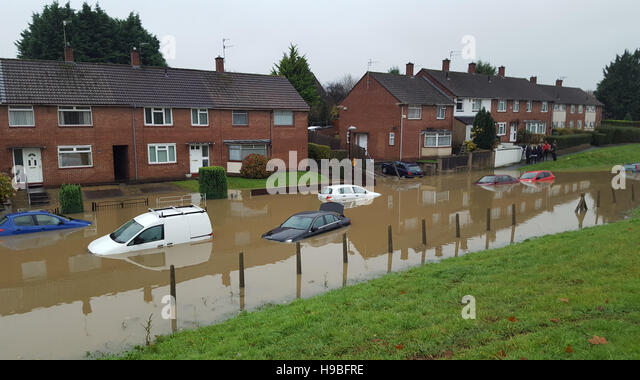 Bristol, UK. 21st Nov, 2016. UK Weather.Cars abandoned after overnight rain in Whitchurch Lane in Bristol.Mandatory - Stock Image