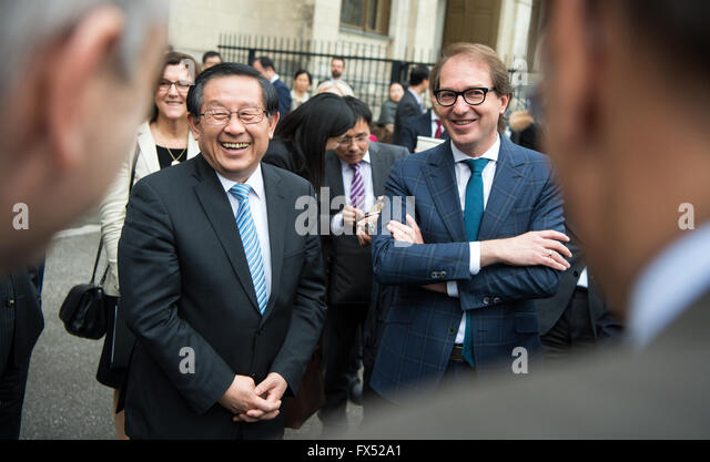 Berlin, Germany. 12th Apr, 2016. German Minister of Transport Alexander Dobrindt (CSU, r) and his Chinese counterpart - Stock Image