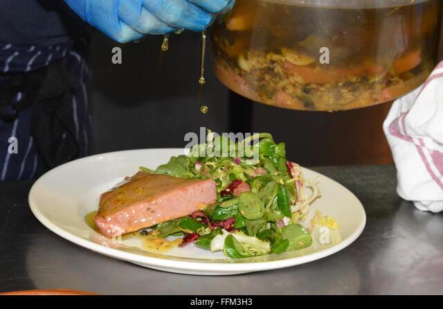 Wokingham town centre stock photos wokingham town centre for Food bar 810