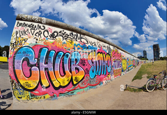 Germany, Berlin: Part of the former Berlin Wall at East Side Gallery - Stock Image