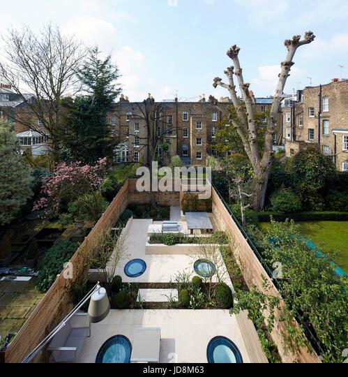 High level garden view. Notting Hill House, London, United Kingdom. Architect: Michaelis Boyd Associates Ltd, 2017. - Stock-Bilder
